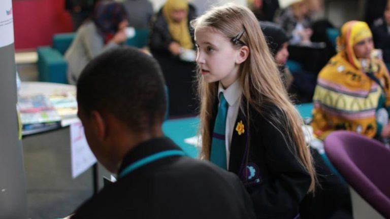 Dar la voz: hacer que el aula hable